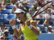 US Open: Sharapova, Azarenka win as Robson stuns Li Na