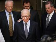 Murdoch looks to buy out LA Times, Chicago Tribune