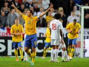 Ibrahimovic puts on a show against England, France beat Italy