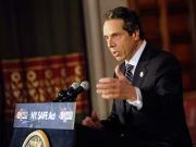 New York enacts gun-control law, first since Newtown school shooting