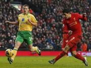 City close on United, Liverpool beat Norwich 5-0