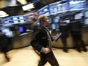 S&P 500 edges down after 7-day rally; Dow ends up