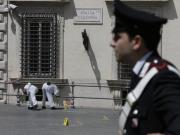 Two cops shot outside Italian premiers office as new govt sworn in