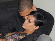 Chris Brown splits from <b>Rihanna</b>