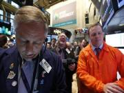 Dow, S&P end at records, stocks mark 4th week of gains