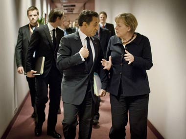Saving Europe: EU, banks reach deal to lower Greek debt | Firstpost