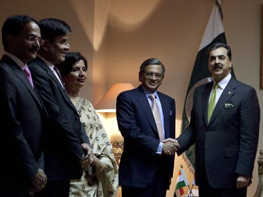 PM to discuss all issues with Gilani at Maldives Saarc Summit ...