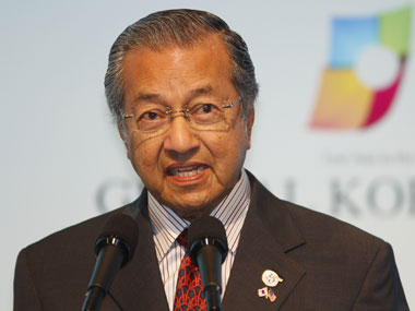 Need to be frank if something goes wrong Mahathir Mohammad defends criticism of CAA says initial concern was over palm oil curbs
