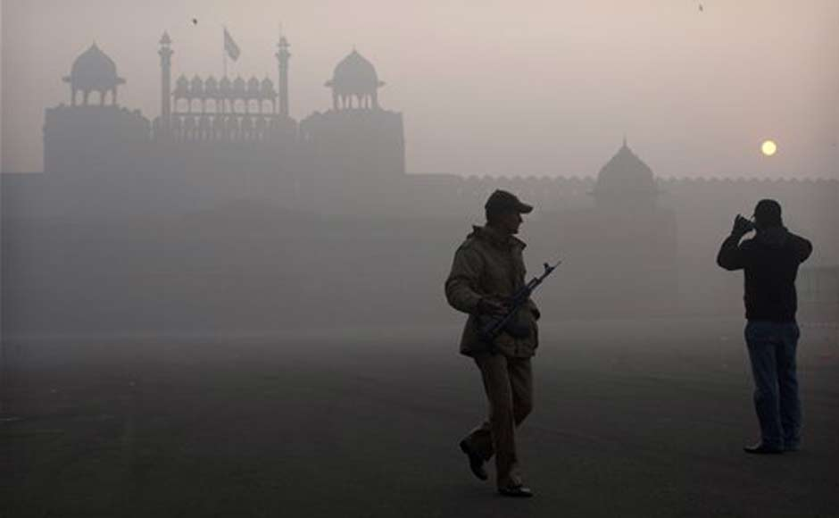 Images: The foggy winter in Delhi