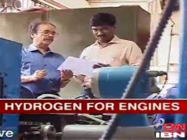 Indian professor replaces petrol with hydrogen fuel