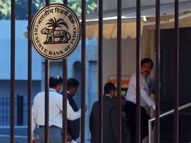 RBI in favour of relaxing investment limit for FIIs in bonds