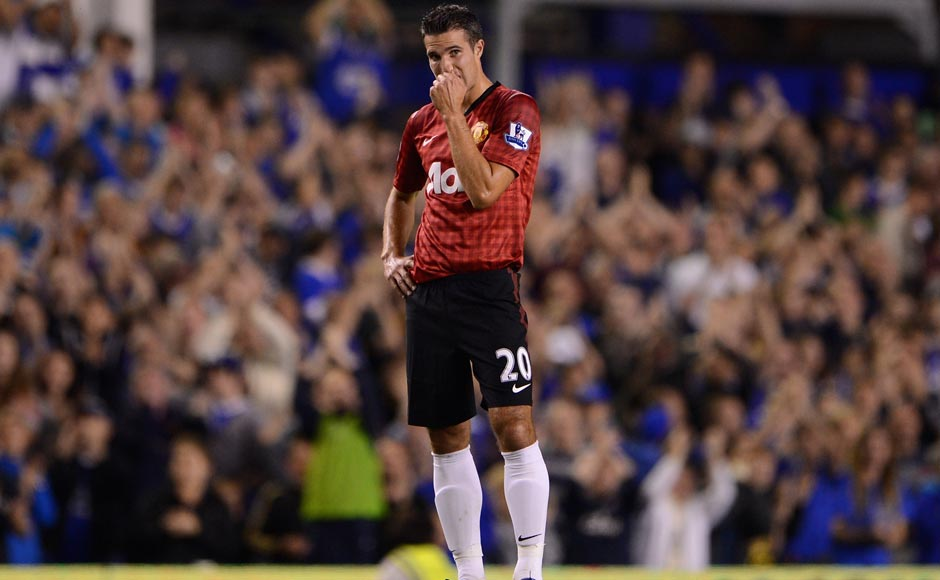 Images: Van Persie fails to shine on debut as Man United lose