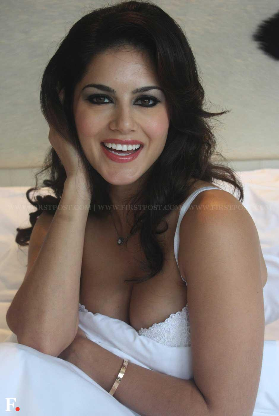 Sunny Leone poses while promoting her upcoming film 'Jism 2' at Le ...