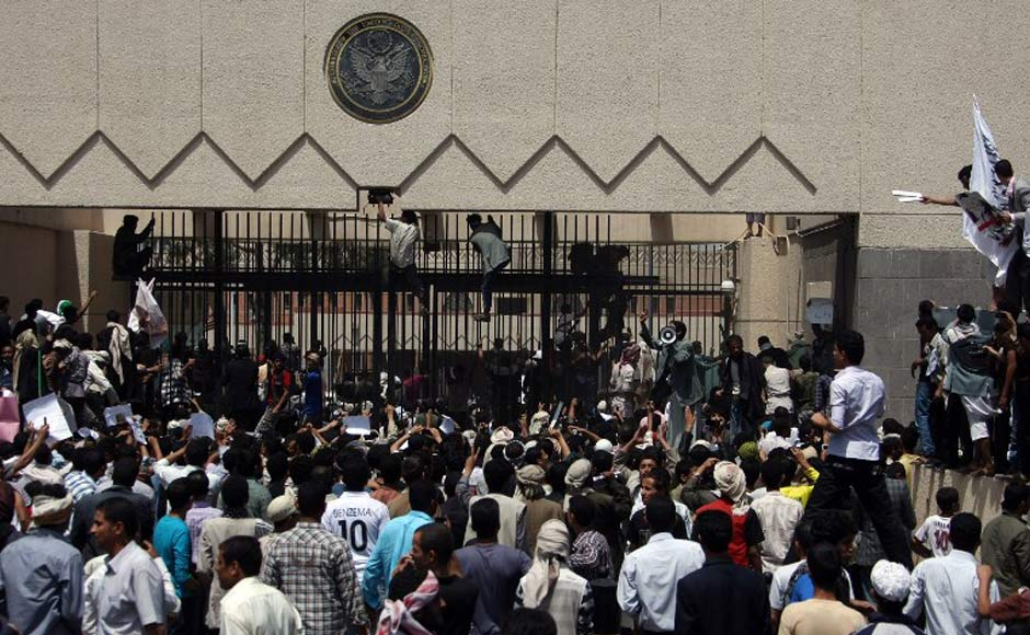 Images US Embassy in Yemen under siege by Islamic protestors