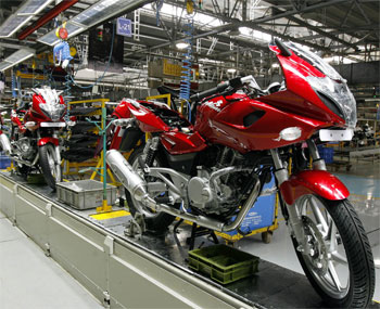 Bajaj Auto Q4 net rises 29% to Rs 803 cr on robust sales