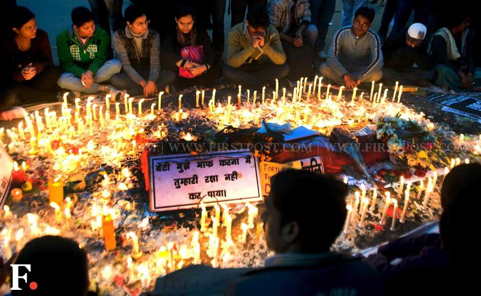 Images: Protests continue in Jantar Mantar day after cremation of victim