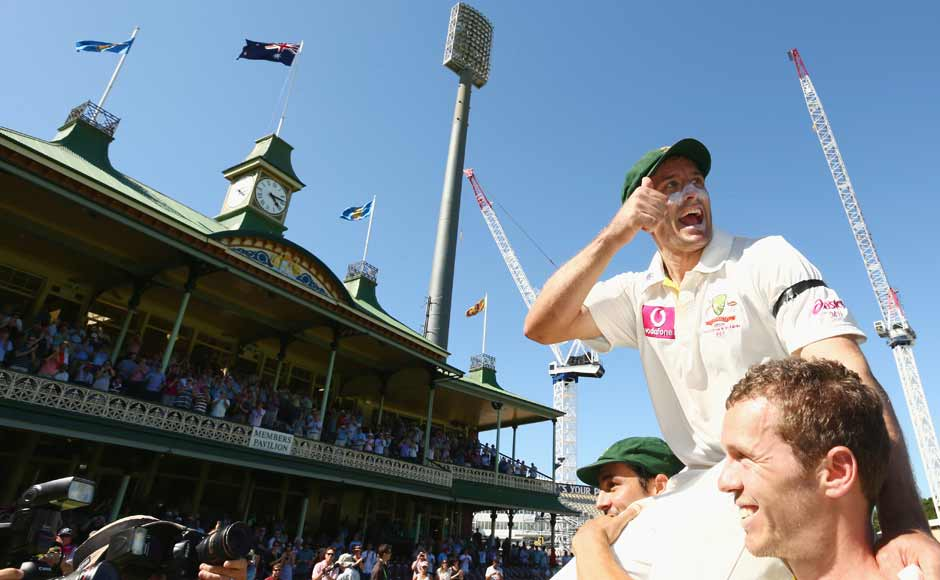 Images: Late bloomer Hussey says farewell to cricket