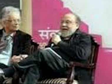 Nandy speaking at the Jaipur Literature Fest. Image courtesy ibnlive
