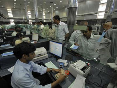 Corporates including MM LT PSUs queue up for banking licences