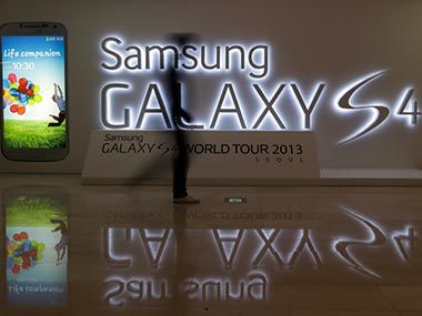 Samsung Galaxy S4 suffering from less sales. AP