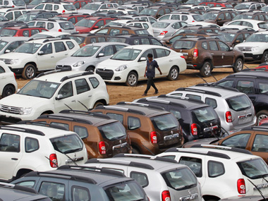 Automobile dealers body FADA moves SC seeking relief in sale of BSIV vehicles after 1 April deadline