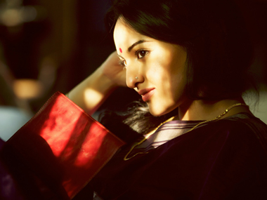 A still from the film Lootera