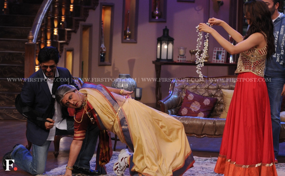 Shah Rukh Khan and Deepika Padukone making merry on the sets of Comedy Nights With Kapil. Sachin Gokhale/Firstpost