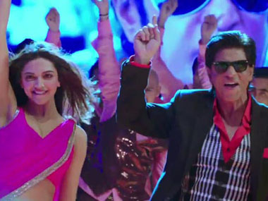 SRK salutes Rajini you cant miss the lungi dance
