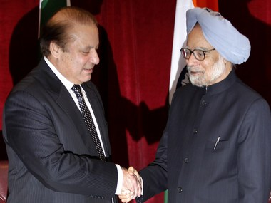 Nawaz Sharif shakes hands with Manmohan Singh during the United Nations General Assembly. AP image