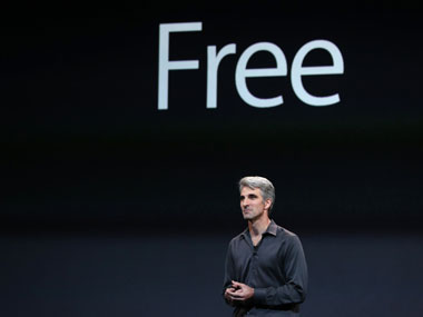 Craig Federighi, Apple Inc. Senior Vice President of software engineering, announces their new operating system called Mavericks, will be a free upgrade: Reuters