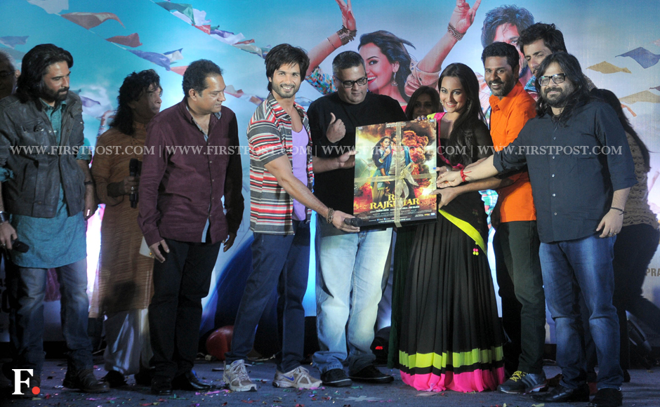 Sonakshis antics and Shahids Romeo act at R Rajkumar music launch