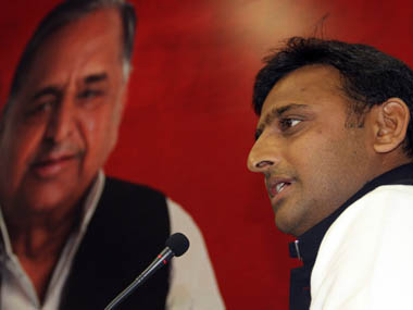 Mulayam praises Modi House of Yadavs faced similar disagreements in the runup to UP Assembly polls