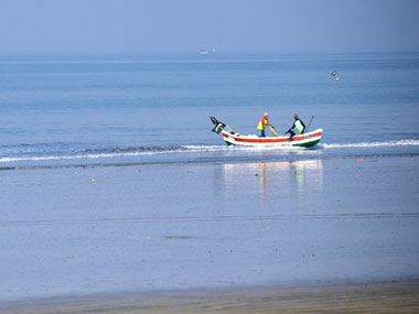 Eight Indian fishermen arrested for poaching in Sri Lankan waters