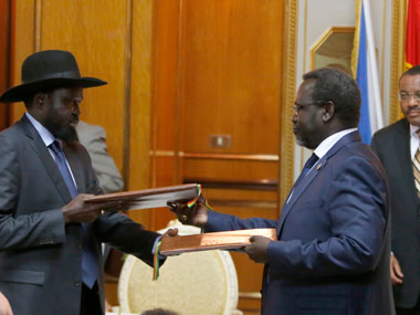 Rebel commander signs ceasefire deal with South Sudan govt