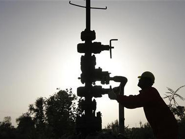 Govt orders GAIL to cut gas from nonpriority areas for retail needs