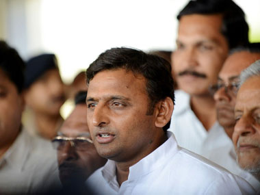 UP rape murder CM Akhilesh holds meeting with Governor Aziz Qureshi