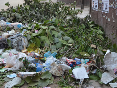 Garbage lying outside Valmiki Sadan. Tarique Anwar/Firstpost