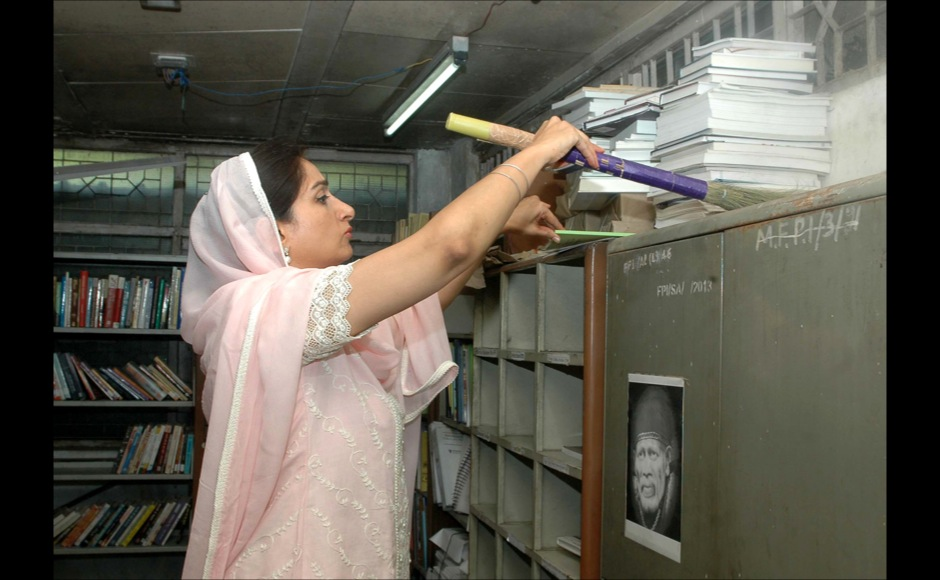 The Union Minister for Food Processing Industries, Smt. Harsimrat Kaur Badal launching cleanliness drive, during the 'Swachh Bharat Abhiyan', at Panchsheel Bhawan, in New Delhi on October 01, 2014.