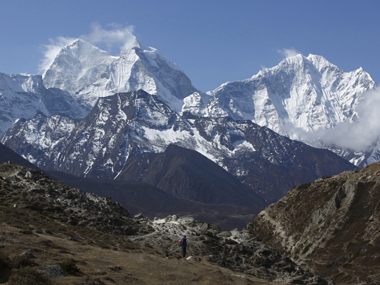 Nepal may ban inexperienced disabled climbers from Everest