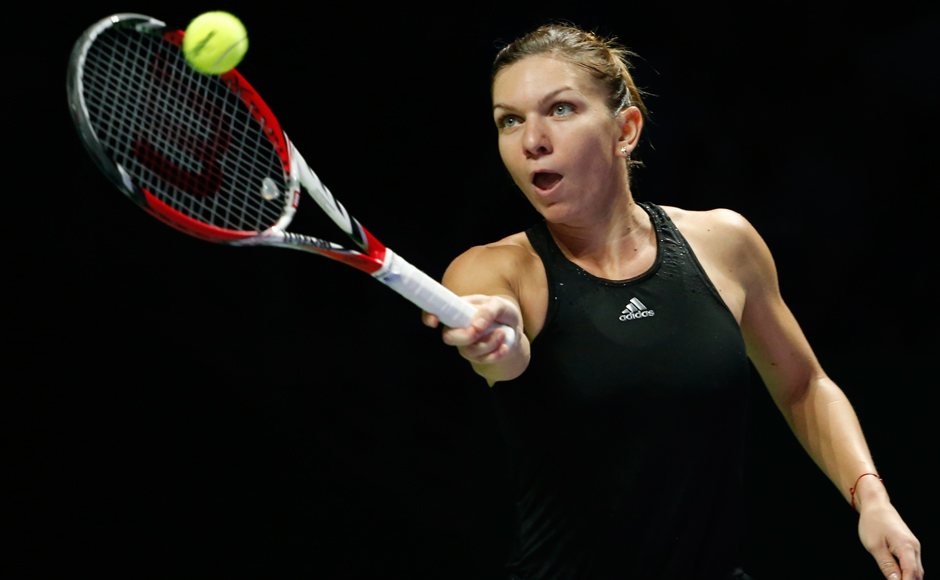 Halep roars back against Svitolina to reach semi-finals