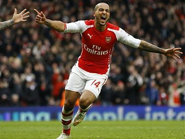 Cazorla and Walcott sign contract extensions with Arsenal