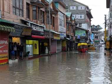 Kashmir floods Live Jhelum water levels rise as heavy rainfall hits Srinagar again