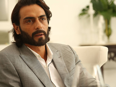 It wasn't me: Arjun Rampal takes on #fakepress  for 'cooking up' divorce story