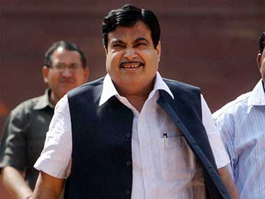 Central team headed by Nitin Gadkari visits UP to assess crop damage