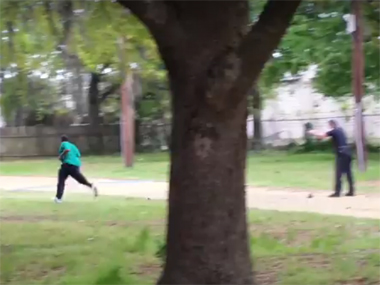 Disturbing video shows US cop shooting unarmed black man in South Carolina