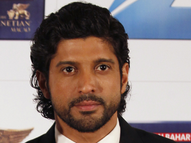 Farhan Akhtar refuses to pay 5 cr to Army for Raees receives threat from MNS