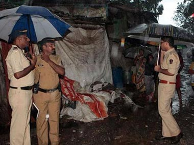Mumbai hooch deaths Police govt excise dept learnt nothing from a similar tragedy in 2004