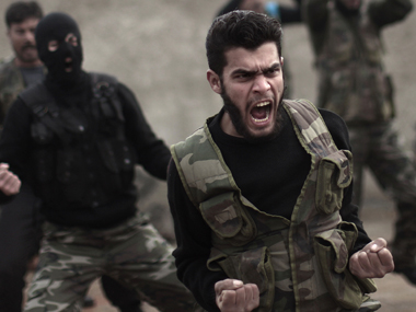 US program to train Syrian rebels loses momentum: Less than 100 volunteers sign up