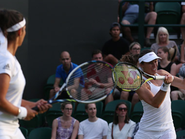 Sania-Martina ease past Diyas-Zheng into Wimbledon second round