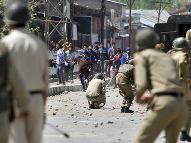 Protests stonepelting in Valley after rumours spread of SC getting ready to strike down Article 35A